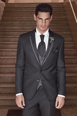 Antracitno siva moška poročna obleka, foto: Poročni salon Ena in Edina