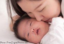 novorojenek_in_mama