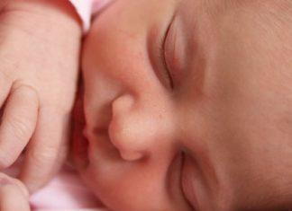 Novorojenka.