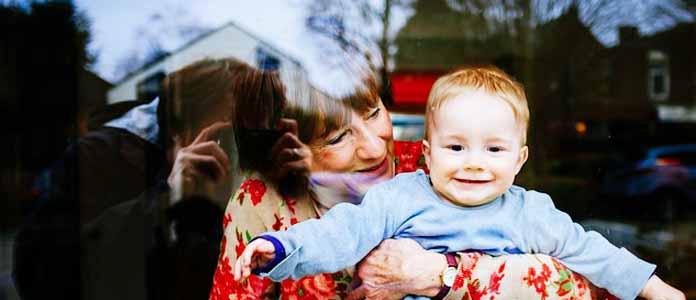 Vloga dedkov in babic v življenju vnukov