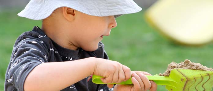 Kakšno vlogo ima simbolna igra pri razvoju mišljenja otroka