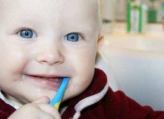 Čiščenje prvih zobkov
